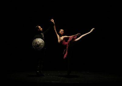 quebra nozes Letícia e Leandro no palco do Teatro Guaíra
